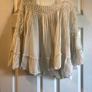 Tops - Bell sleeve white boutique top!